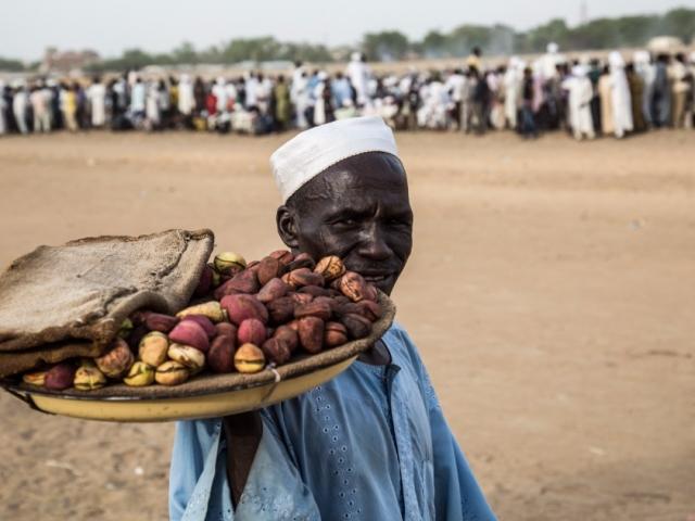 Snacks at the horse racing in N'Djamena